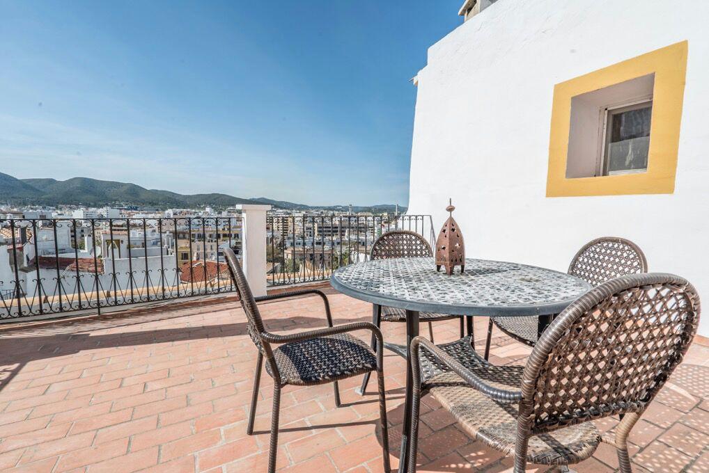 Ib038c casa en ibiza dalt villa 5 habitaciones immoferta - Apartamentos en ibiza ...