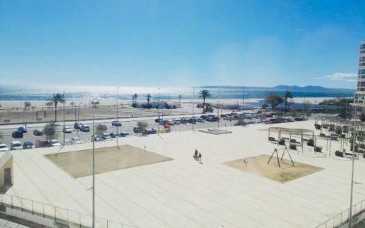 St083a apartamento 1 linea de playa vista mar con piscina for Apartamentos jardin playa larga tarragona